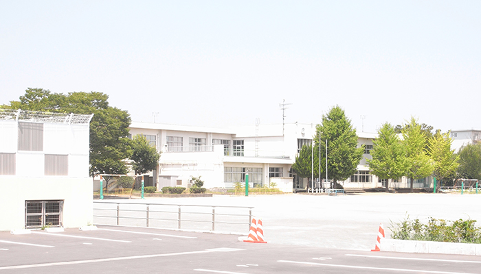 久喜 青葉小学校 外観