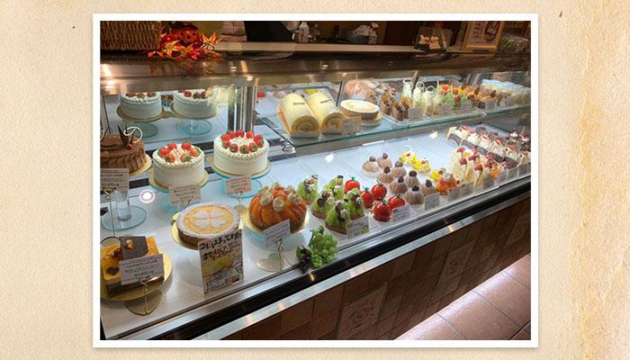 久喜 イタリアン ベルパロッソ ショーケースのケーキいろいろ