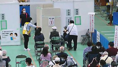 【埼玉・久喜/加須】(克)コロナ!! 希望を求めて長蛇の列